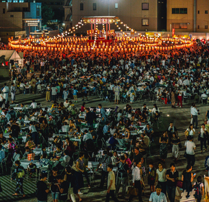 築地本願寺納涼盆踊り大会の写真素材 [FYI02682620]