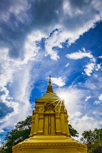 Wat Pha Yai Wachirawong, Nong Khai, Thailandの写真素材 [FYI02682682]