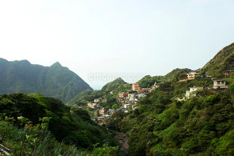黄金博物館から望む金瓜石の街並み 台湾の写真素材 [FYI02683506]