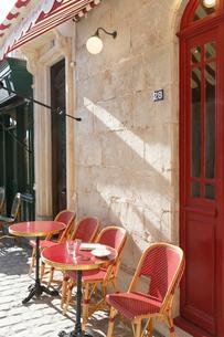 おしゃれなヨーロッパイメージのカフェの写真素材 [FYI02685485]