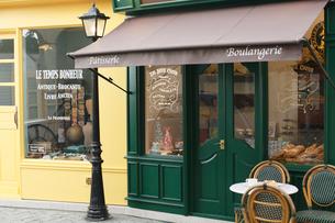 ヨーロッパイメージのおしゃれな街並みの写真素材 [FYI02685921]