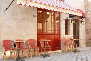おしゃれなヨーロッパイメージのカフェの写真素材 [FYI02686451]