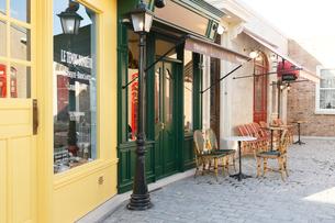 ヨーロッパイメージのおしゃれな街並みの写真素材 [FYI02686452]