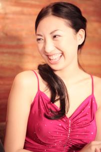 笑顔の女性の写真素材 [FYI02686519]