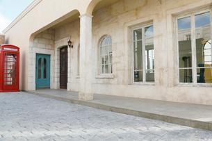 ヨーロッパイメージの街並みと石畳の写真素材 [FYI02686564]