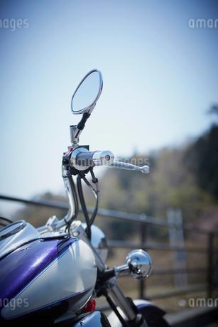 バイクと青空の写真素材 [FYI02687124]