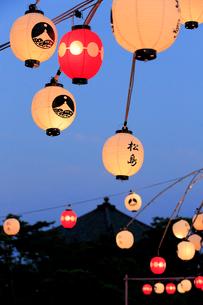 松島流灯会海の盆の提灯 宮城県の写真素材 [FYI02687661]