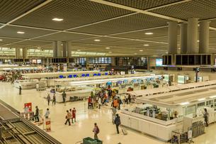 成田空港の出発ロビーの写真素材 [FYI02688446]