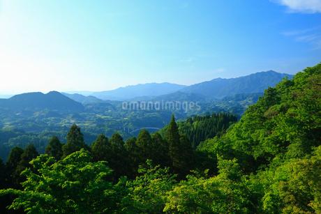 国見ヶ丘より望む高千穂盆地の写真素材 [FYI02688659]