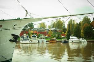 ポルヴォー旧市街の川辺 フィンランドの写真素材 [FYI02688664]