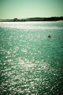 輝く海の写真素材 [FYI02689033]