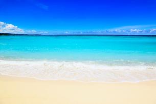 沖縄本島 ブセナビーチの海の写真素材 [FYI02689307]
