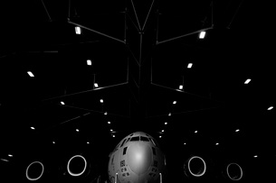 A C-17 Globemaster III sits in a hangar at McChord Field Airの写真素材 [FYI02689621]