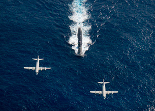 Two P-3 Orion maritime surveillance aircraft fly over attackの写真素材 [FYI02690257]