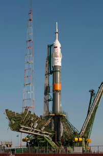 The Soyuz rocket shortly after arrival to the launch pad atの写真素材 [FYI02690342]