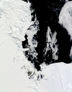 January 18, 2010 - Ross Sea, Antarctica.の写真素材 [FYI02690407]