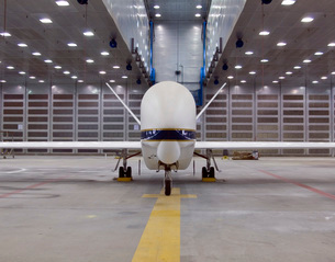 A front view of a Global Hawk unmanned aircraft.の写真素材 [FYI02690607]