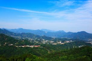 国見ヶ丘より望む高千穂盆地の写真素材 [FYI02690750]