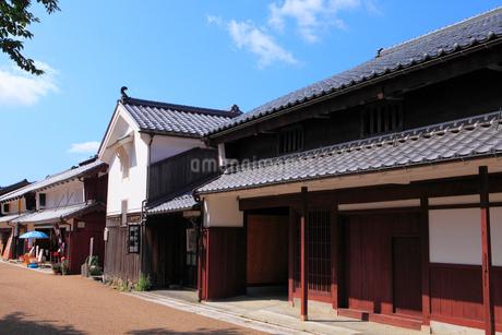 若狭鯖街道熊川宿 中の町の家並みの写真素材 [FYI02690921]