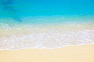 沖縄本島 ブセナビーチの海の写真素材 [FYI02690965]
