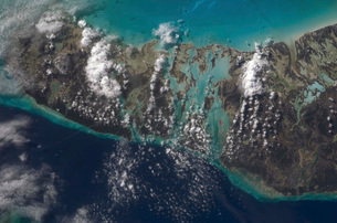 The Bahamas' Andros Island and the Tongue of the Ocean.の写真素材 [FYI02691003]