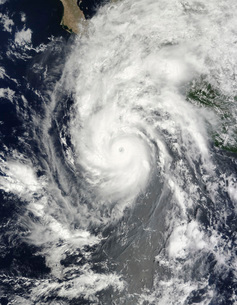 Hurricane Jimena approaching Baja California.の写真素材 [FYI02691051]