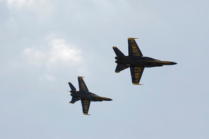 The Blue Angels perform aerial demonstrations during an airの写真素材 [FYI02691082]