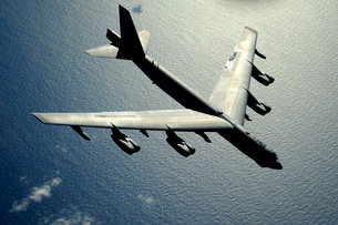 A B-52 Stratofortress in flight over the Pacific Ocean.の写真素材 [FYI02691408]