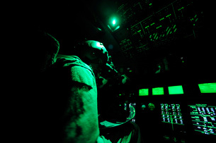 A C-130J aircraft commander prepares for take off.の写真素材 [FYI02691619]