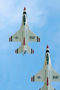 The United States Air Force Demonstration Team Thunderbirdsの写真素材 [FYI02691877]