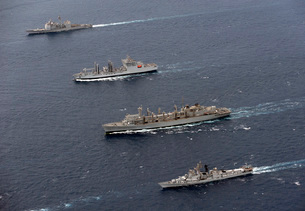 USS Bunker Hill, INS Shakti, USNS Bridge and INS Ranvir tranの写真素材 [FYI02692010]