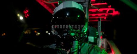 A U.S. Air Force pilot sits inside the cockpit of a F-15C Eaの写真素材 [FYI02692259]