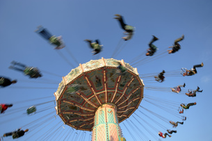 Amusement park rides in Munichの写真素材 [FYI02692670]