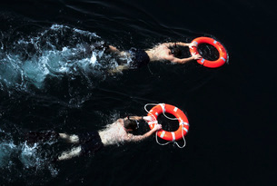 Search and rescue swimmers during a swim call.の写真素材 [FYI02692846]