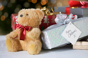 A pile of Christmas presentsの写真素材 [FYI02692934]