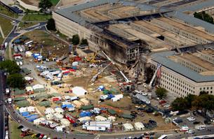 Aerial view of the terrorist attack on the Pentagon on Septeの写真素材 [FYI02693137]