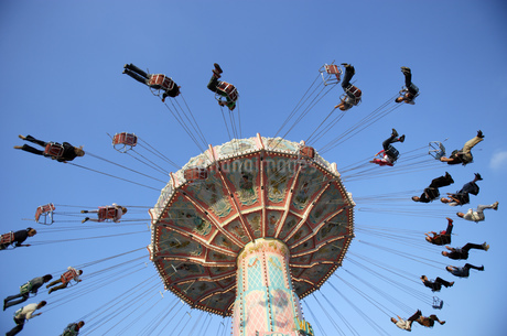 Amusement park rides in Munichの写真素材 [FYI02693832]