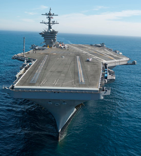 The aircraft carrier USS Carl Vinson in the Pacific Ocean.の写真素材 [FYI02693873]