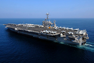 The Nimitz-class aircraft carrier USS John C. Stennis.の写真素材 [FYI02693907]