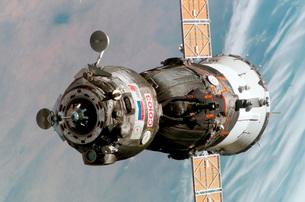 Soyuz TMA-6 spacecraft.の写真素材 [FYI02694203]
