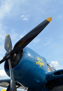 Low angle view of the propeller on a F8F Bearcat.の写真素材 [FYI02694365]