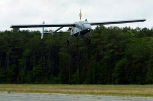 A U.S. Navy RQ-2B Pioneer Unmanned Aerial Vehicle.の写真素材 [FYI02694391]