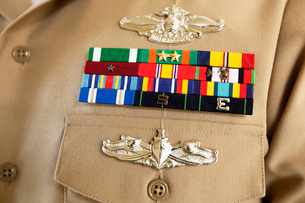 Close-up view of military decorations and honors on the uniform of a Petty Officer.の写真素材 [FYI02694767]