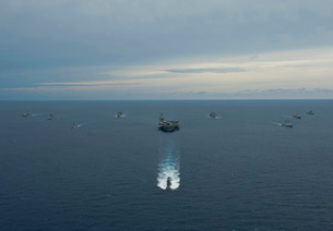Carrier Strike Group formation of ships in the Bay of Bengalの写真素材 [FYI02694855]