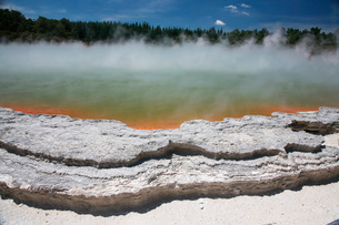Champagne Pool hot spring, Wai-O-Tapu Geothermal area, Taupo Volcanic Zone, New Zealand.の写真素材 [FYI02695322]