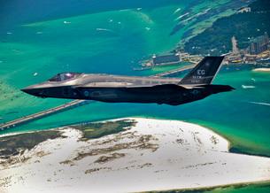 An F-35 Lightning II flies over Destin, Florida.の写真素材 [FYI02695346]