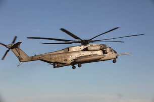 A U.S. Marine Corps CH-53 Sea Stallion helicopter.の写真素材 [FYI02695482]