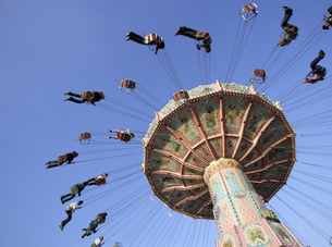 Amusement park rides in Munichの写真素材 [FYI02695873]