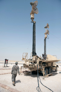U.S. Army soldiers prepare to move a Patriot Air Defense Missile System.の写真素材 [FYI02696377]