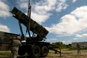 MIM-104 Patriot missile launcher, Kadena Air Base, Japan.の写真素材 [FYI02696407]